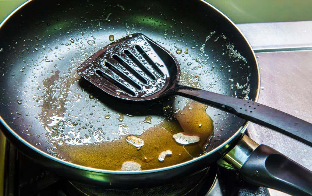 غلیظ شدن روغن خوراکی سوخته