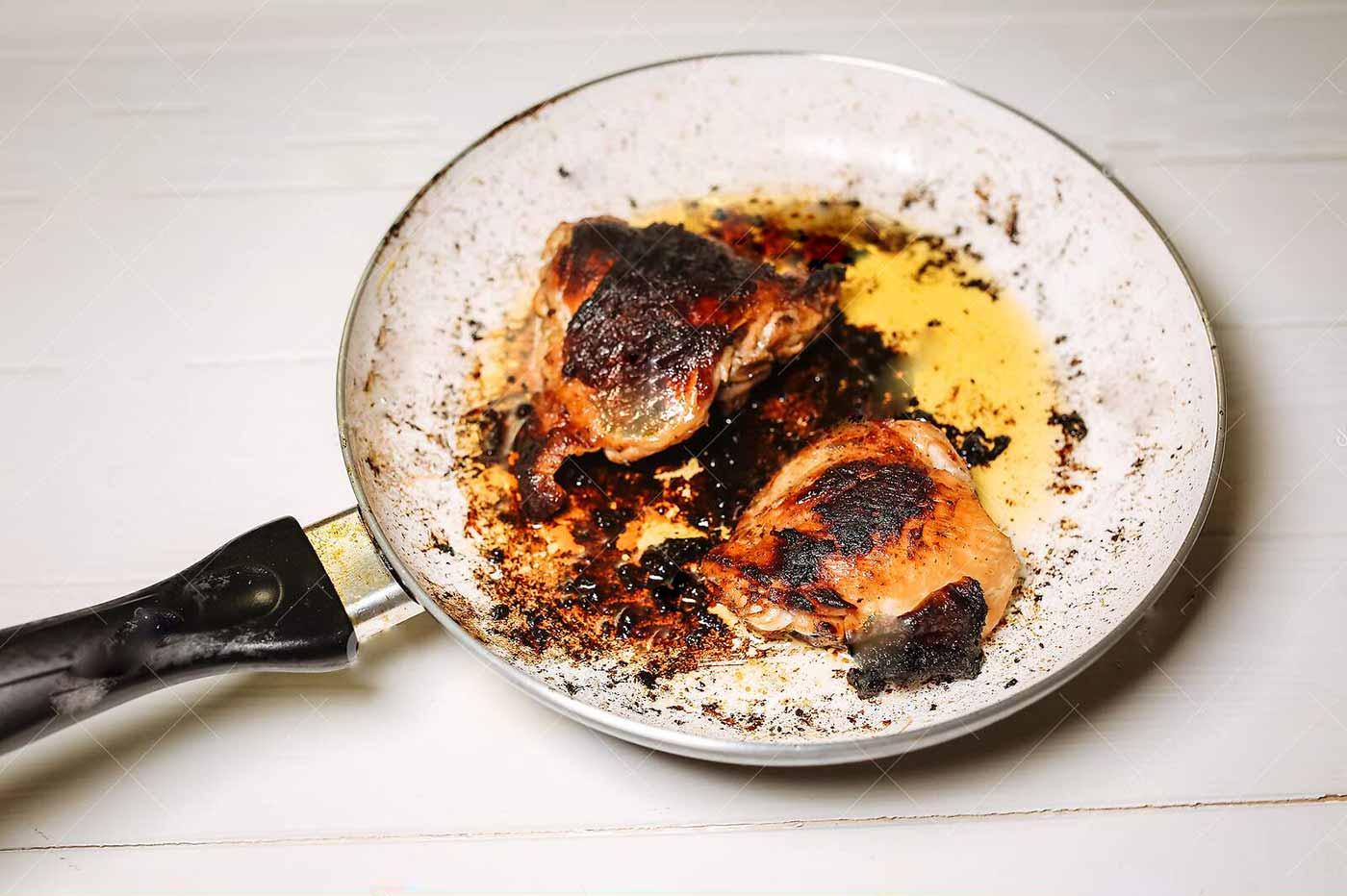 مضرات استفاده از روغن سرخ کردنی سوخته